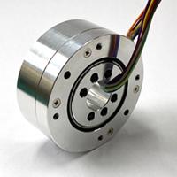ロボットアームの関節部に使用された例